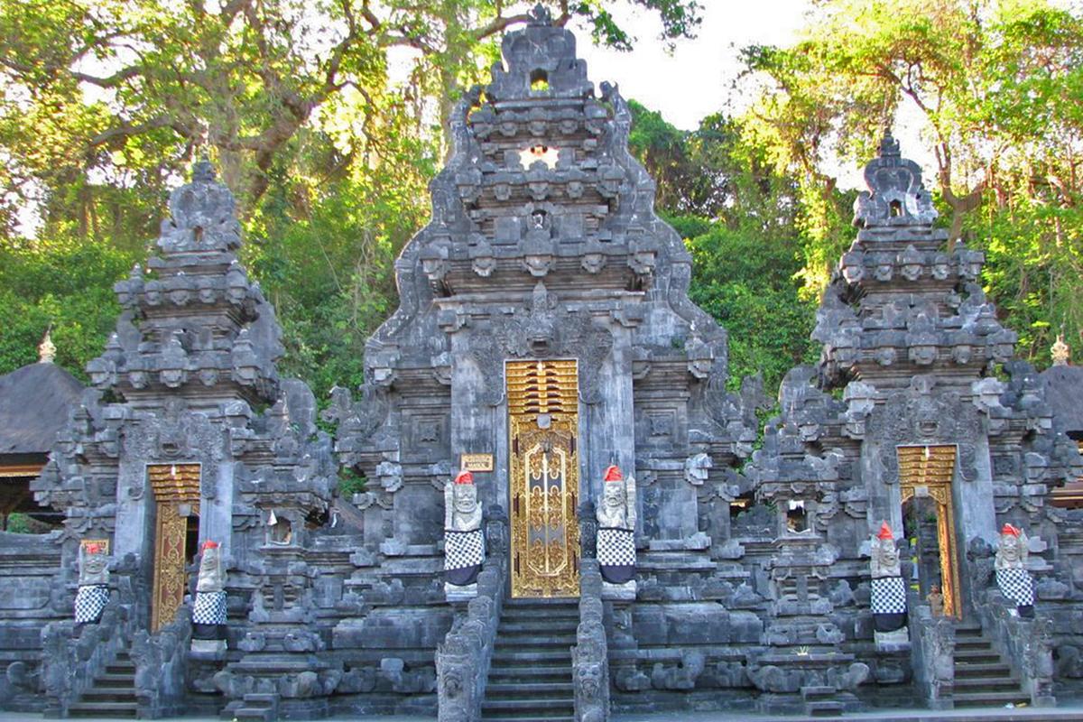Exploring the Goa Lawah Bat Cave Temple in Bali