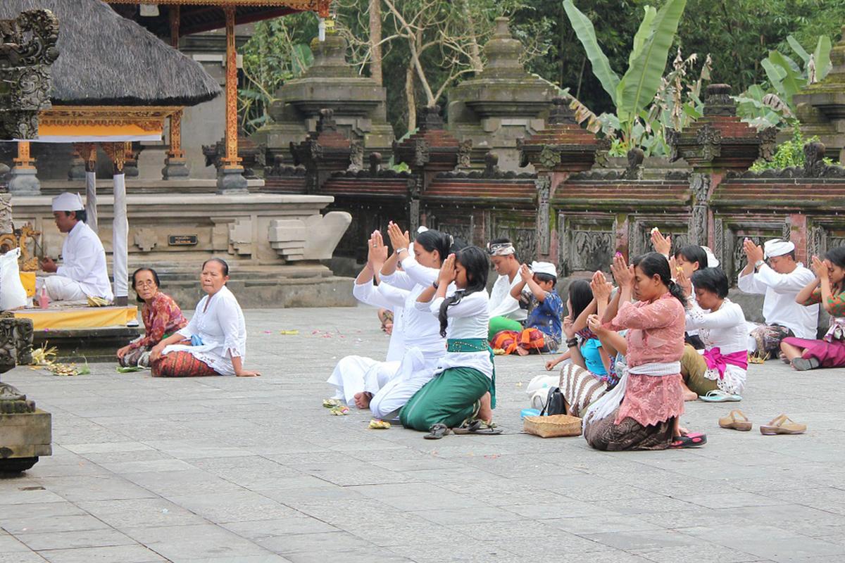 Temple Etiquette in Bali