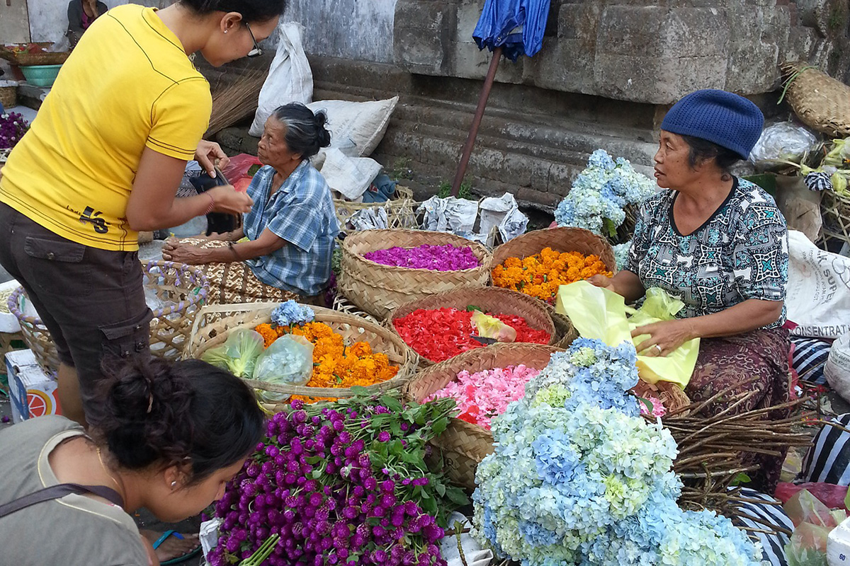 Etiquette Tips for Your Holiday In Bali